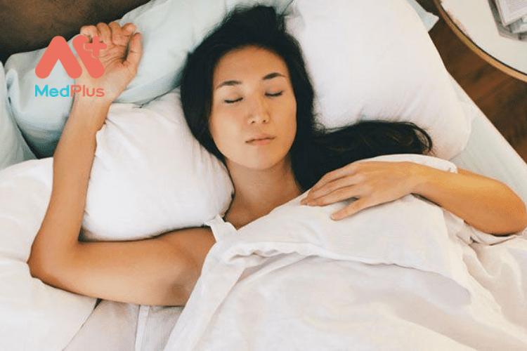 Ngủ để da sáng và khỏe mạnh hơn